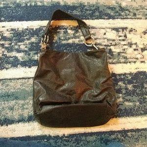Black shoulder bag no brand listed
